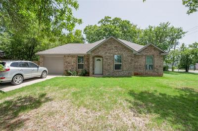 202 GATRIX AVE, Cleburne, TX 76033 - Photo 1