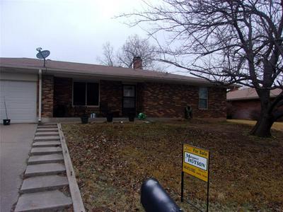 1508 LINDA ST, BOWIE, TX 76230 - Photo 2