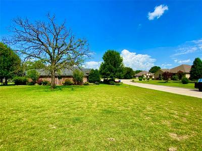 2207 STONEGATE BLVD, Bridgeport, TX 76426 - Photo 2