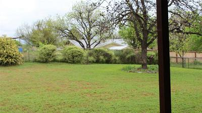 908 W 3RD ST, COLEMAN, TX 76834 - Photo 2