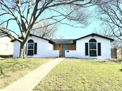 325 HARRINGTON DR, DUNCANVILLE, TX 75116 - Photo 1