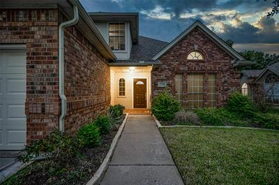 2708 WILLOW CREEK CT, Bedford, TX 76021 - Photo 2