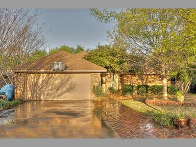1409 BAYOU RD, Grapevine, TX 76051 - Photo 2