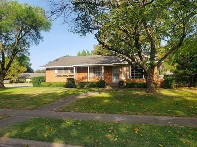 639 E CENTER ST, Duncanville, TX 75116 - Photo 2