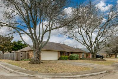 1329 MALLARD DR, DeSoto, TX 75115 - Photo 2