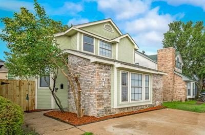 904 FAIRBANKS CIR, Duncanville, TX 75137 - Photo 2