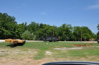 102 ALLEN ST, Weatherford, TX 76086 - Photo 1