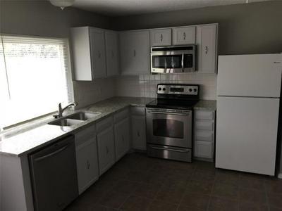 116 W WILLIAMSBURG MNR, Arlington, TX 76014 - Photo 2