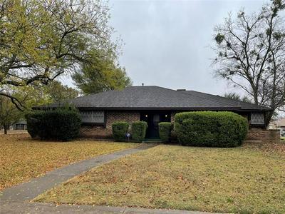 738 HILL TERRACE DR, Duncanville, TX 75116 - Photo 1