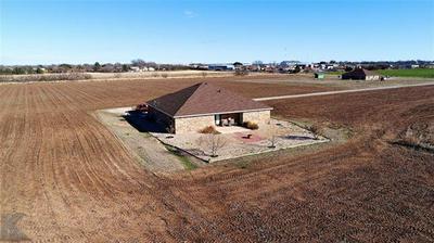 374 MCCARTNEY LN, Tye, TX 79563 - Photo 2