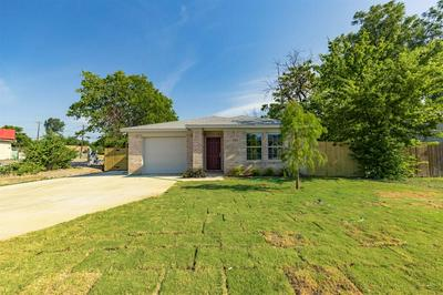 3305 E BERRY ST, Fort Worth, TX 76105 - Photo 2