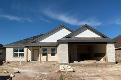 268 CARRIAGE HILLS PKWY, Abilene, TX 79602 - Photo 1