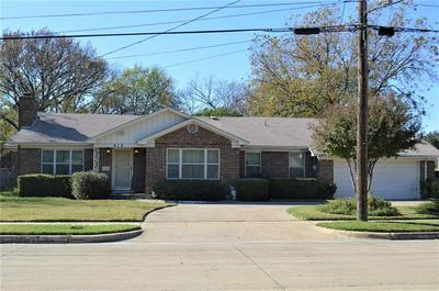 412 PARADISE ST, Fort Worth, TX 76111 - Photo 2