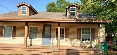 101 N HUBBARD ST, Alvord, TX 76225 - Photo 2