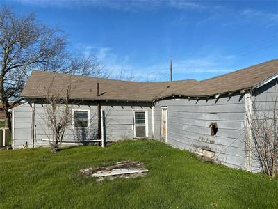 100 SYCAMORE ST, HILLSBORO, TX 76645 - Photo 2