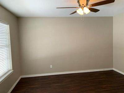 977 N DALE AVE, Stephenville, TX 76401 - Photo 2