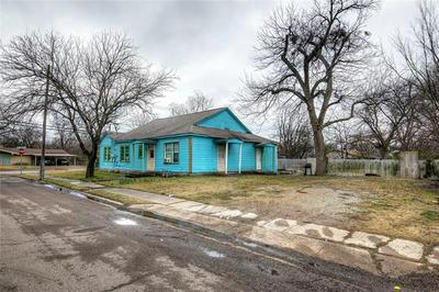 1901 WASHINGTON ST, Commerce, TX 75428 - Photo 2