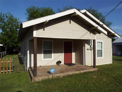 414 S GREEN ST, EASTLAND, TX 76448 - Photo 1
