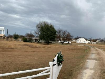 1303 W BELKNAP ST, JACKSBORO, TX 76458 - Photo 2