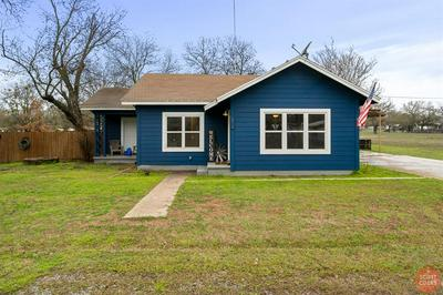 210 VINE ST, BANGS, TX 76823 - Photo 2