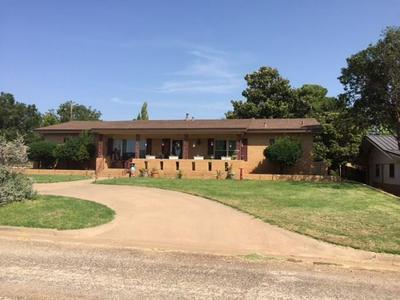 901 E BURNSIDE ST, Rotan, TX 79546 - Photo 1