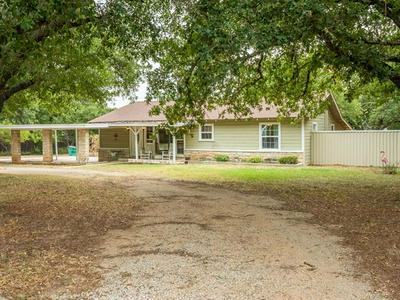 502 S HILLCREST AVE, Eastland, TX 76448 - Photo 2