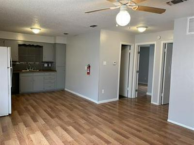 800 W WASHINGTON ST # 4, Clarksville, TX 75426 - Photo 2