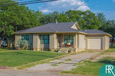 1506 PHILLIPS DR, Brownwood, TX 76801 - Photo 2