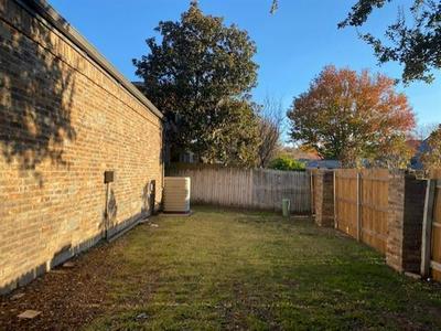 207 OAK HILL DR, Trophy Club, TX 76262 - Photo 2
