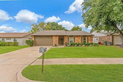 6909 GLENHURST DR, North Richland Hills, TX 76182 - Photo 1