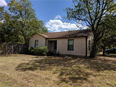 211 W TRAVIS ST, Gordon, TX 76453 - Photo 2