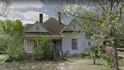 209 W 5TH ST, Winfield, TX 75493 - Photo 1