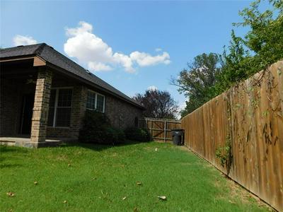 812 SCARLET SAGE CT, Fort Worth, TX 76112 - Photo 2