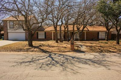505 CRESTWOOD DR, EASTLAND, TX 76448 - Photo 2