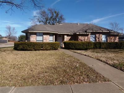 1300 SPARROW CT, DeSoto, TX 75115 - Photo 1
