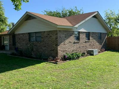 1102 S BASSETT ST, Eastland, TX 76448 - Photo 2