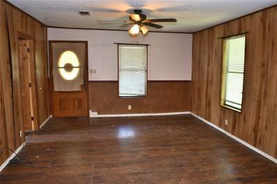 1812 FRANKLIN AVE, Bonham, TX 75418 - Photo 2