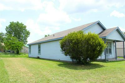 1713 MANOR GARDEN CURV, Greenville, TX 75401 - Photo 2