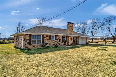 390 SADLER RD, Whitesboro, TX 76273 - Photo 2
