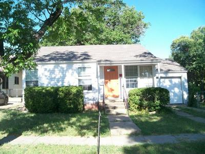 217 N NUECES ST, COLEMAN, TX 76834 - Photo 2