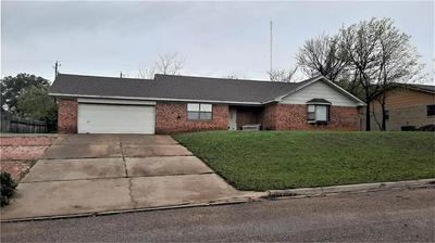 506 N AVENUE Y, CLIFTON, TX 76634 - Photo 1