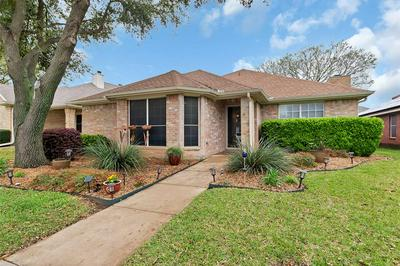 1402 TOPLEA DR, EULESS, TX 76040 - Photo 1
