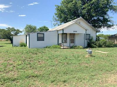 300 S 3RD ST E, Haskell, TX 79521 - Photo 2