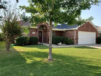 933 MESA VISTA DR, Crowley, TX 76036 - Photo 2