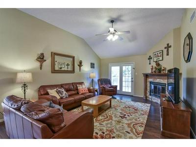 5316 CARPENTER DR, Arlington, TX 76017 - Photo 2