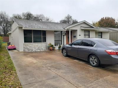 587 SUMMIT RIDGE DR, Duncanville, TX 75116 - Photo 2