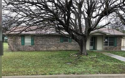 1115 E ROSS ST, Hamilton, TX 76531 - Photo 1