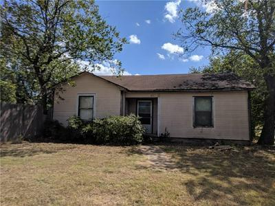 211 W TRAVIS ST, Gordon, TX 76453 - Photo 1