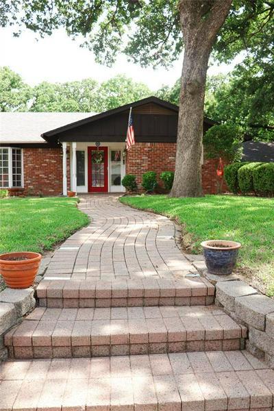 612 RANKIN DR, Bedford, TX 76022 - Photo 2
