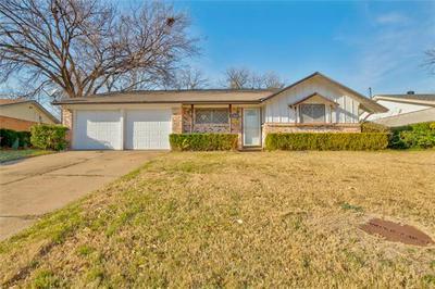 4549 DEE LN, Haltom City, TX 76117 - Photo 1